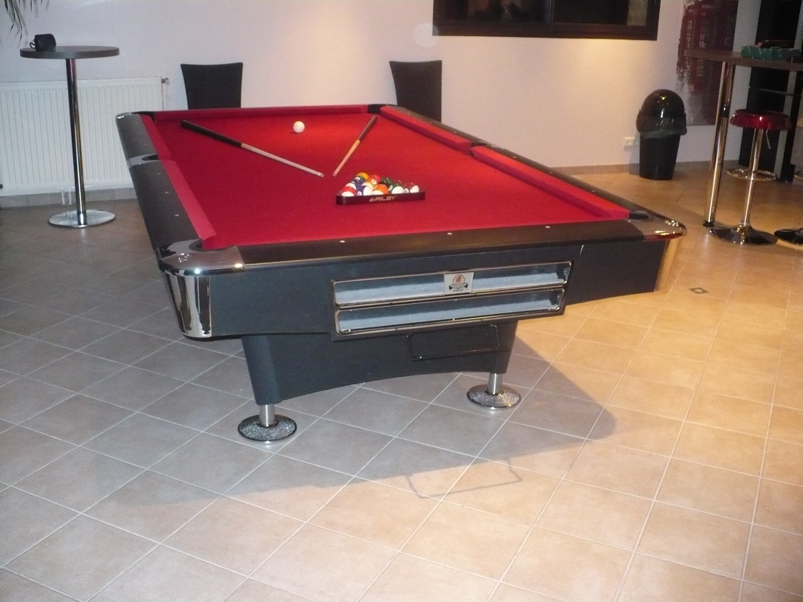 vente de billards pool anglais artisan du billard sarl. Black Bedroom Furniture Sets. Home Design Ideas